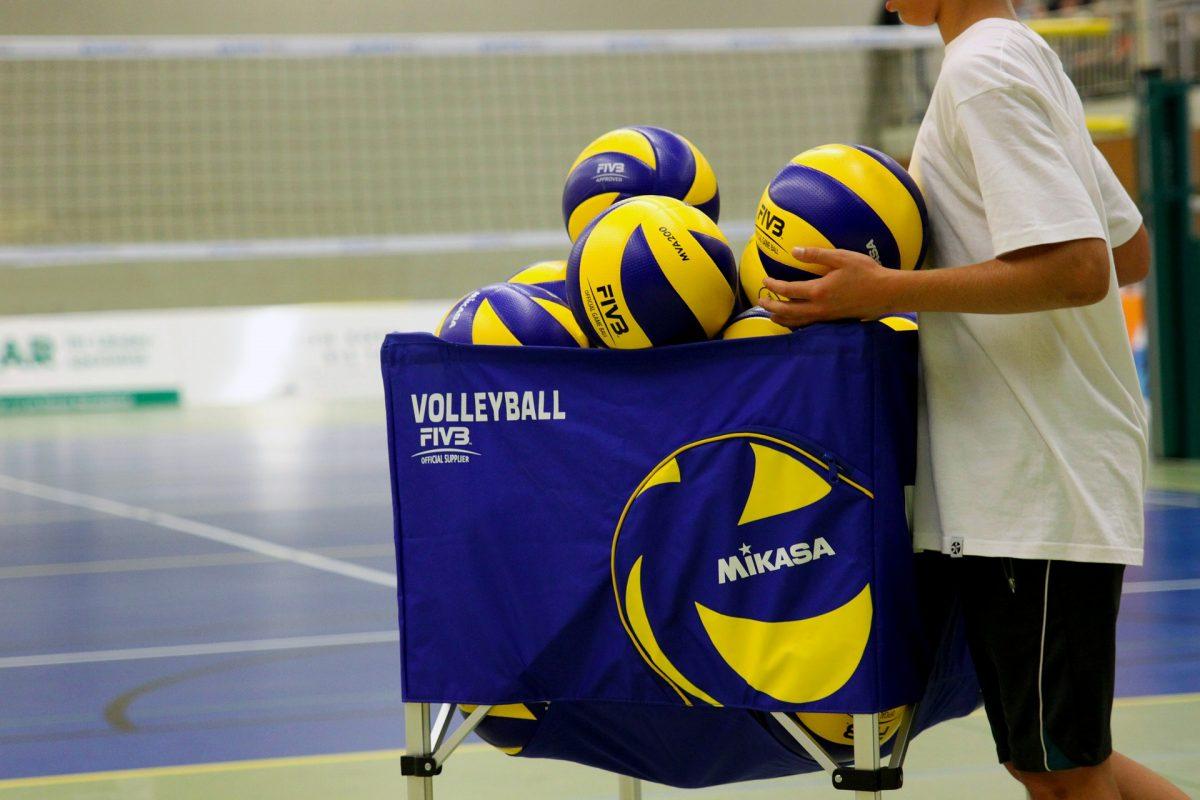 Woman Volley vääntää urheasti pudotuspelipaikasta