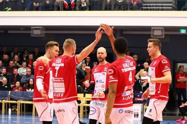VaLePa näyttää taas Suomen mestarilta, ja se tiesi selkeää tappiota Savo Volleylle