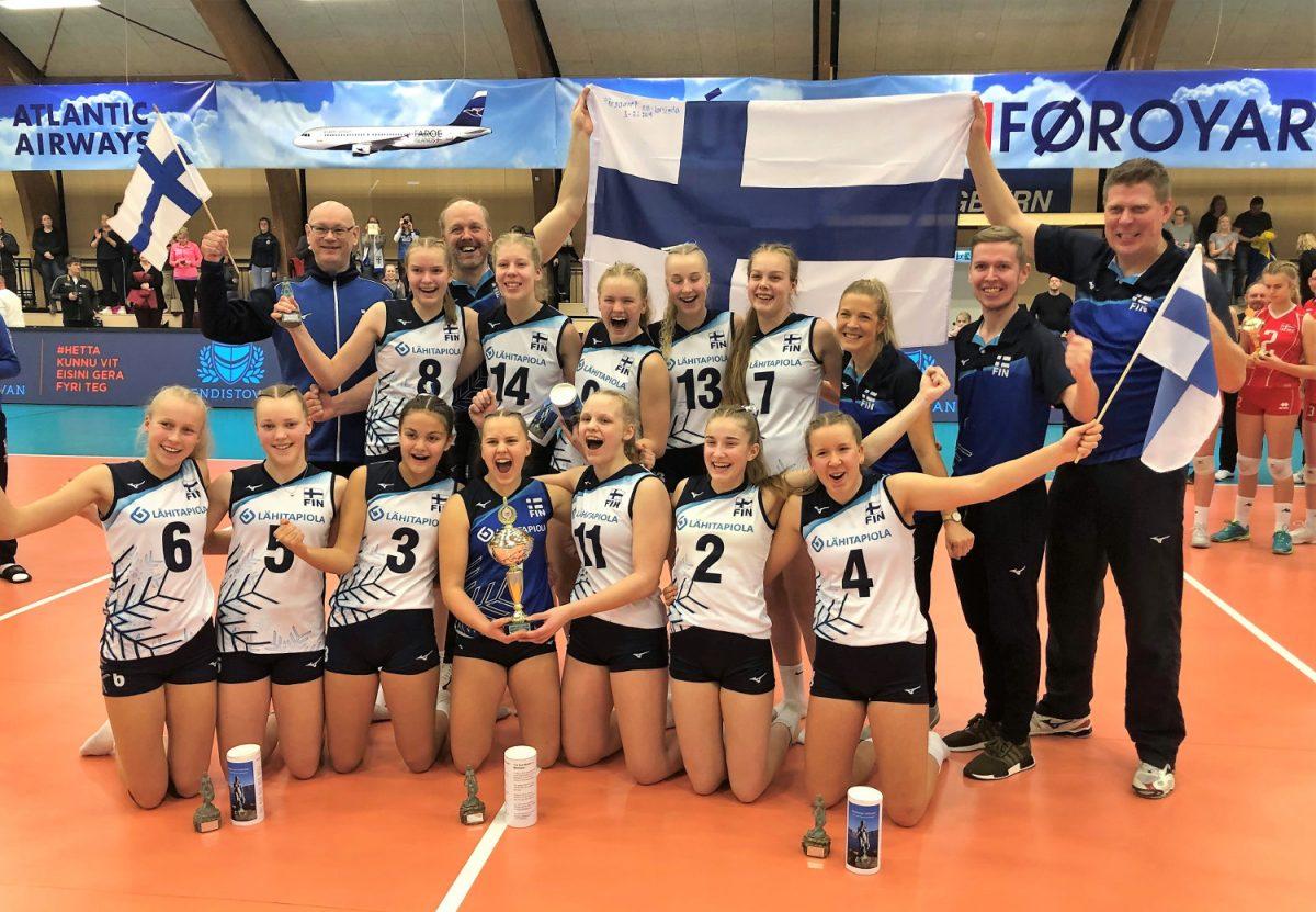 Suomen tytöt lentopallon EM-kisoihin – turnausta seurasi 18 000 katsojaa