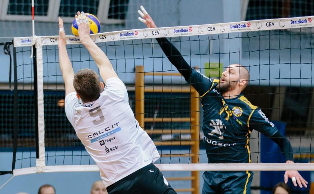 Lelu Ojansivu syrjään Savo Volleyn avauskokoonpanosta – ei auttanut