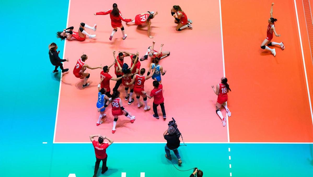 Turkin lentopallonaisilta fantastinen esitys – olympiapaikka 2020 on varma