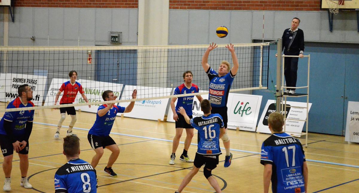 """""""Huippuhyökkääjä, esimerkillinen joukkuepelaaja"""" – lentopalloilija Tatu Härkönen sopimukseen Lempo-Volleyn kanssa"""